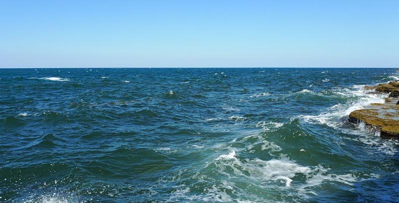 Скалы, море, Межводное