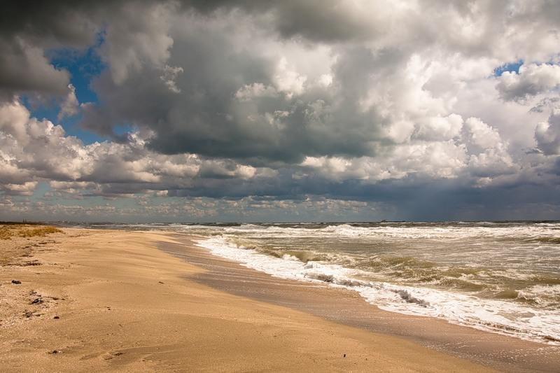 пляж осень межводное