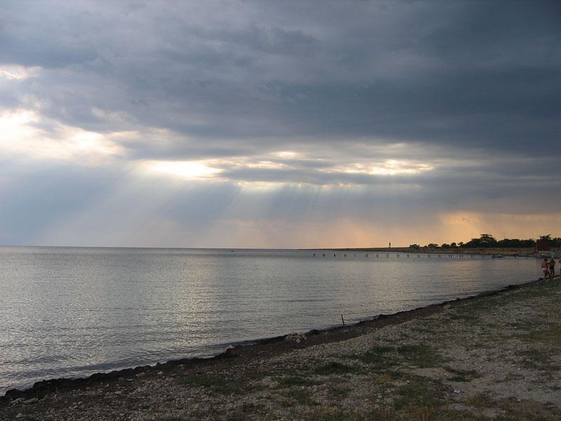 Межводное, пляж