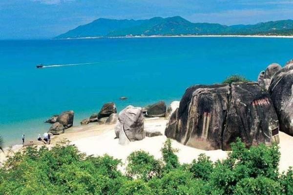 Хайнань — огромный остров в Южно-Китайском море, до 1980-х годов был закрыт для иностранцев