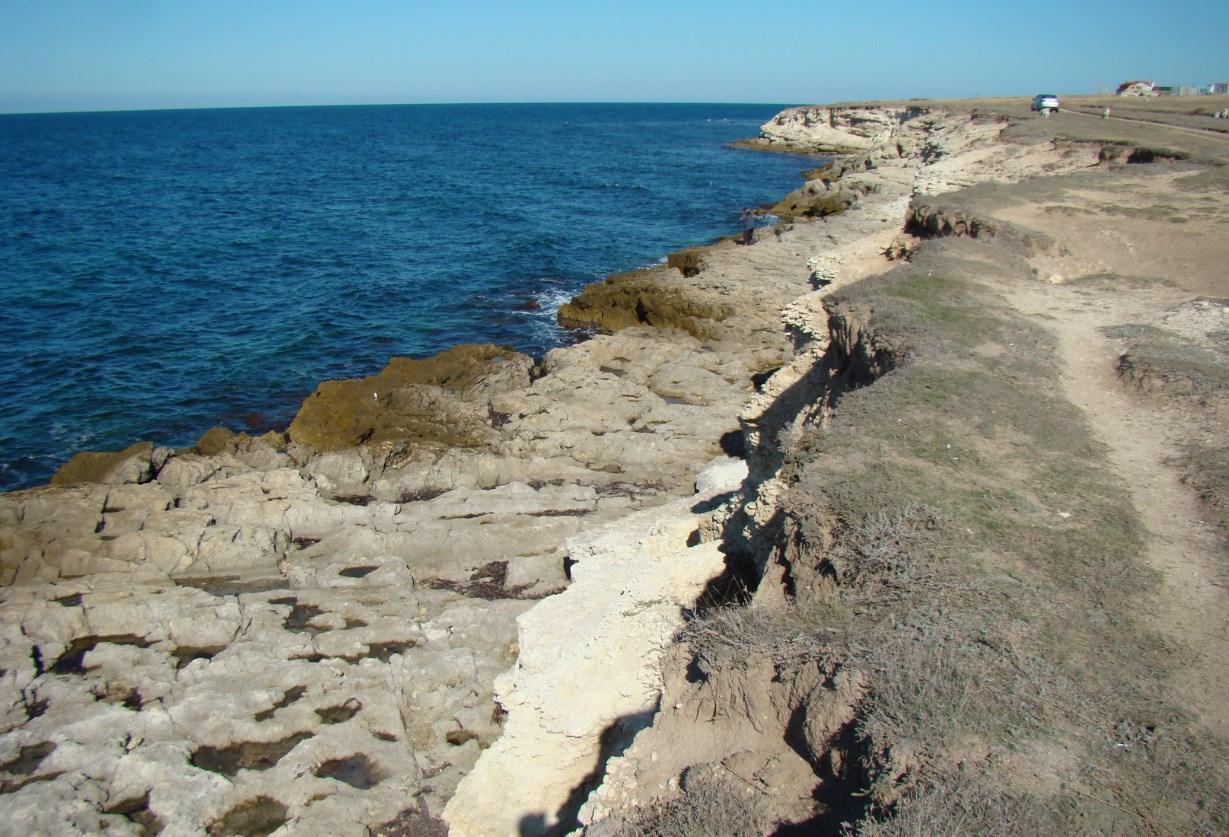 Межводное — пляж, ветер, скалы